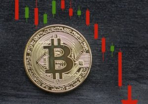 If bitcoin doesn't hold this key level, a 'collapse' could be imminent
