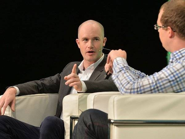 Coinbase is exploring a bitcoin ETF, and it has sought help from $6 trillion Wall Street giant BlackRock