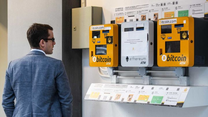 Bitcoin struggles to prove its 'safe haven' case, nosediving with the broader markets