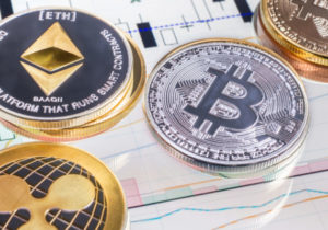 Bitcoin, Ethereum, and Ripple mixed on crypto hedge fund Ponzi scheme news