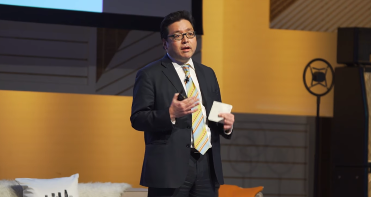 Bitcoin Bull Tom Lee 'Pleasantly Surprised' by Drop in Crypto Volatility