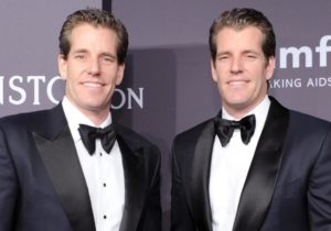 Winklevoss Twins: Bitcoin Can Overtake Gold With the Right Rules