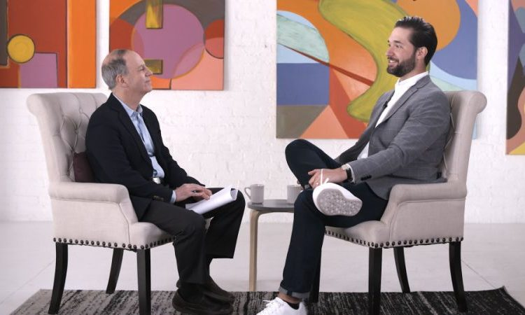 Crypto investors 'should have been thinking long term,' says Reddit co-founder and Coinbase backer Alexis Ohanian