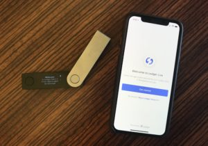 US Startup Introduces Crypto Hardware Wallet Chip for Cell Phones