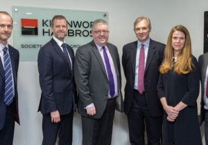 UK bank Kleinwort Hambros launches a blockchain ETN